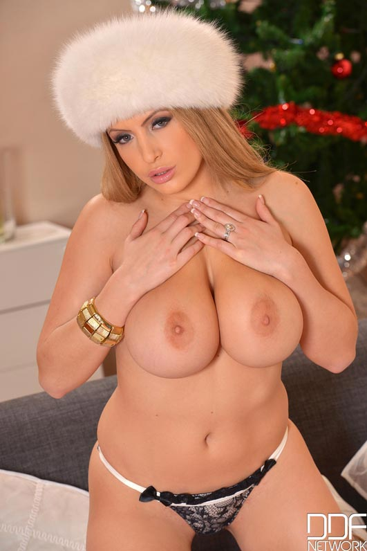 anastasia-sweet-dressed-up-in-a-big-fluffy-white-hat-and-white-fur-jacket004