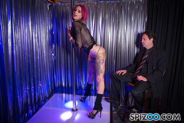 anna-bell-peaks-hot-stripper2