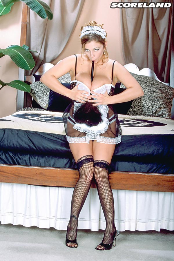 autumn-jade-as-a-french-maid09