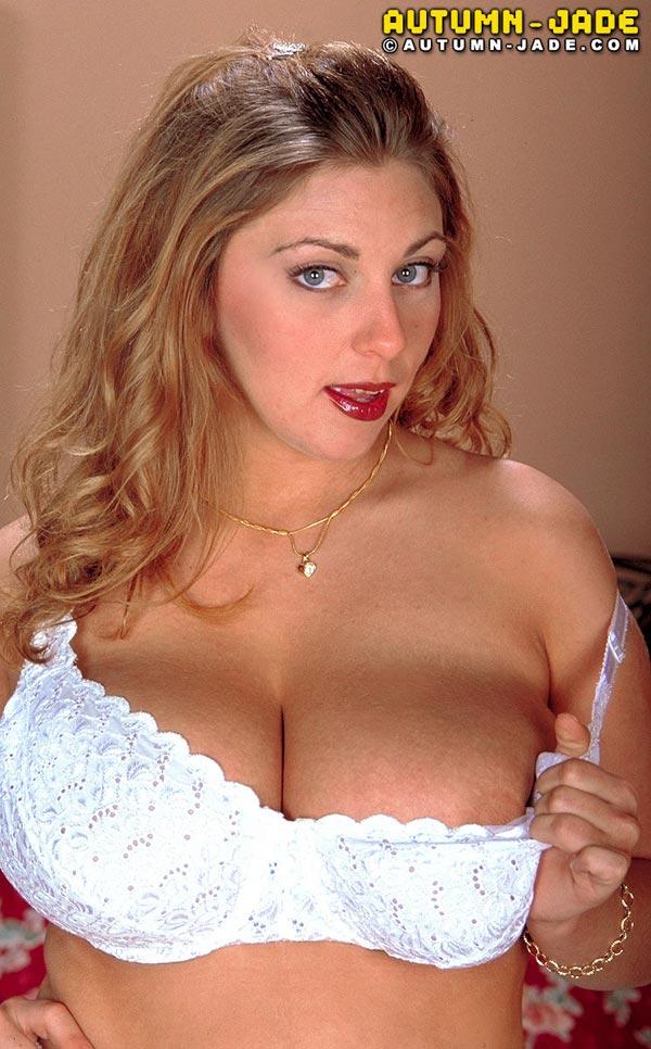 autumn-jade-in-whit-bra-and-panties07