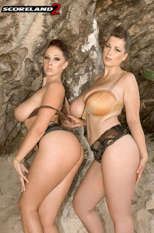 big-natural-babes-gianna-michaels-and-terry-nova-in-paradise09