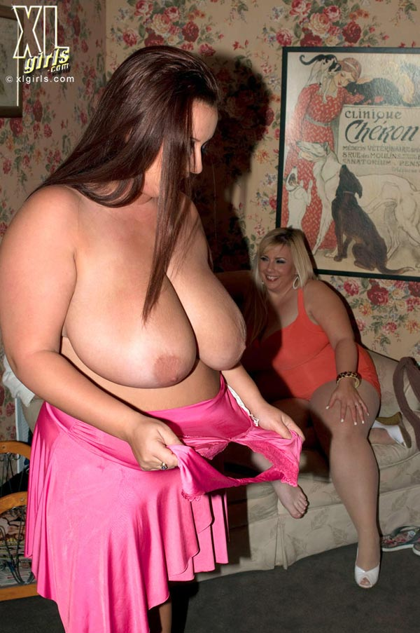 big-plump-wedding-blowout-with-maria-moore-and-friends04