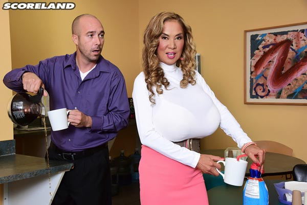 big-tits-office-sex-with-minka01