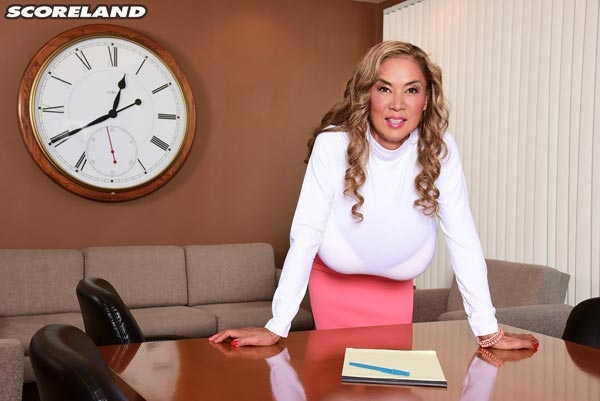 big-tits-office-sex-with-minka06