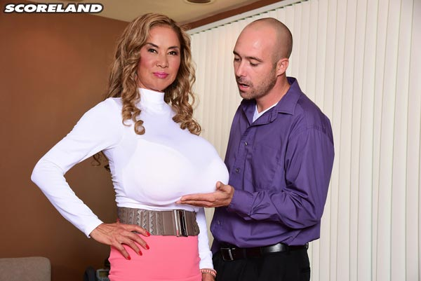 big-tits-office-sex-with-minka09