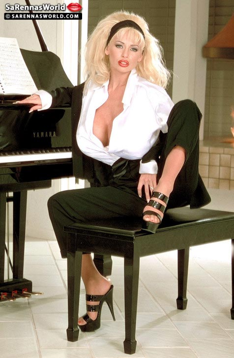 busty-piano-teacher-sarenna-lee08