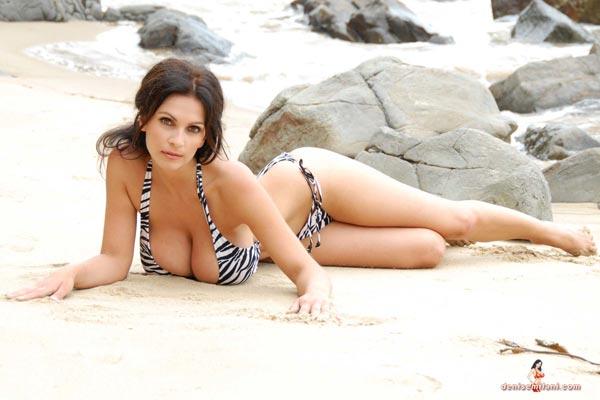 denise-milani-bikini-beach-zebra06