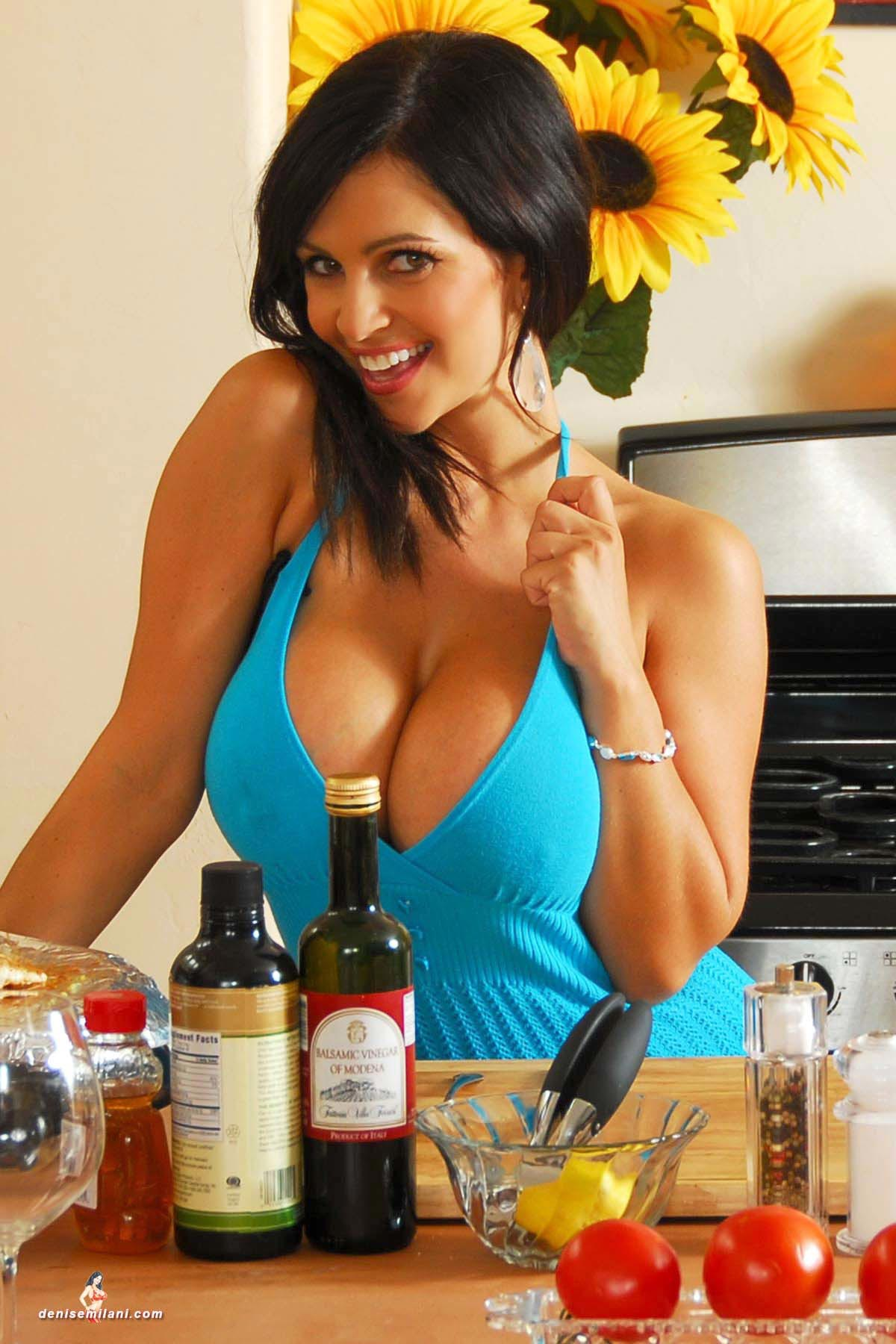 denise-milani-cooking-in-the-kitchen006
