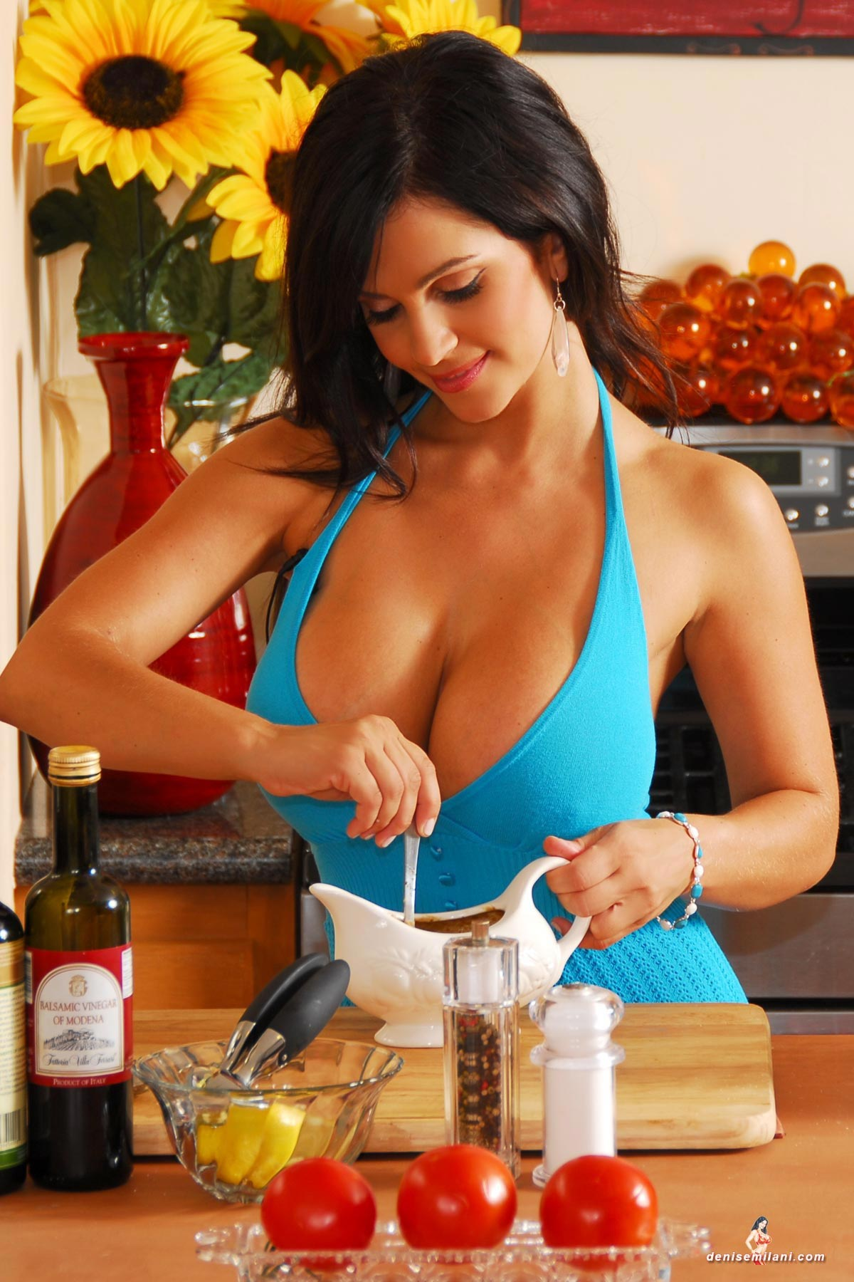 denise-milani-cooking-in-the-kitchen007