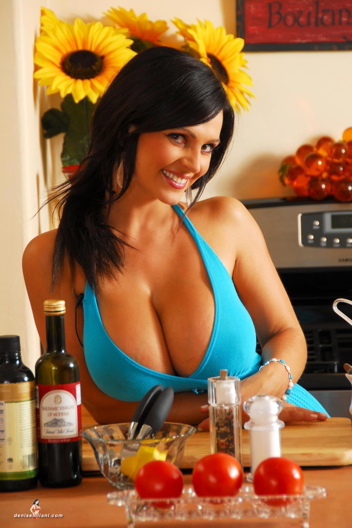 denise-milani-cooking-in-the-kitchen008