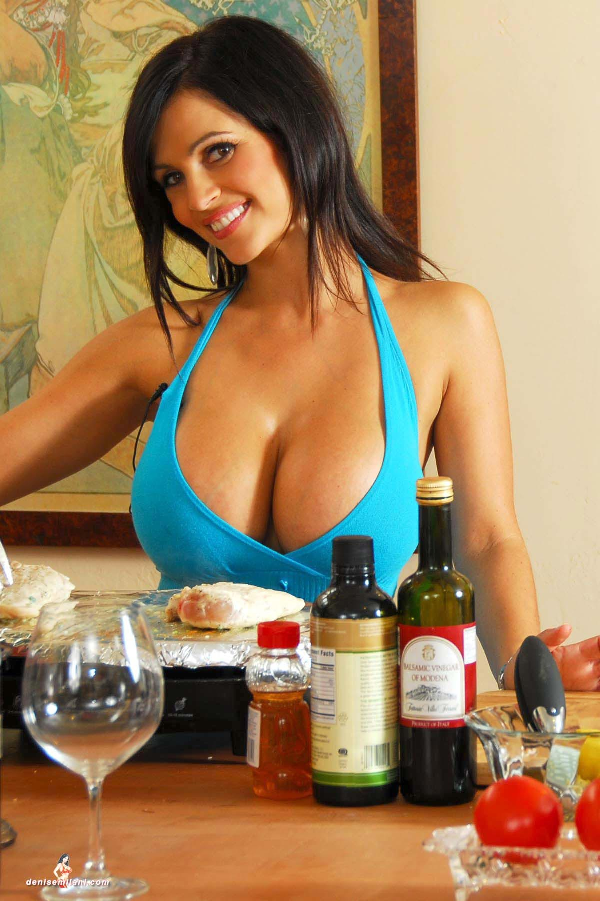 denise-milani-cooking-in-the-kitchen009