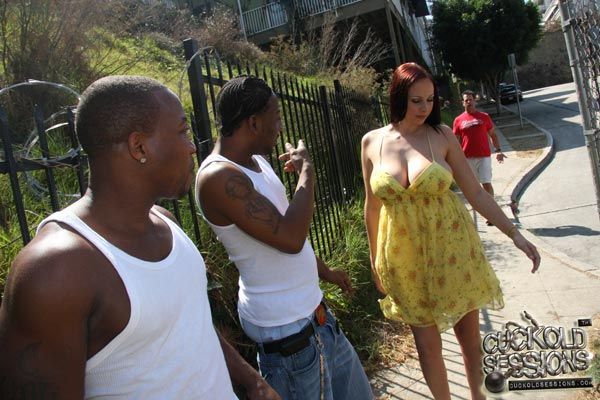 gianna-michaels-fucks-black-guys-in-front-of-her-boyfriend05
