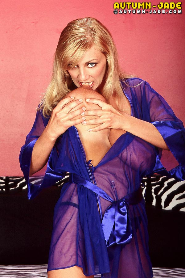 join-autum-in-a-sexy-see-through-nightgown08