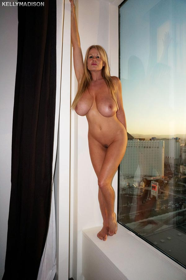 kelly-madison-masturbating-in-a-las-vegas-hotel-room04