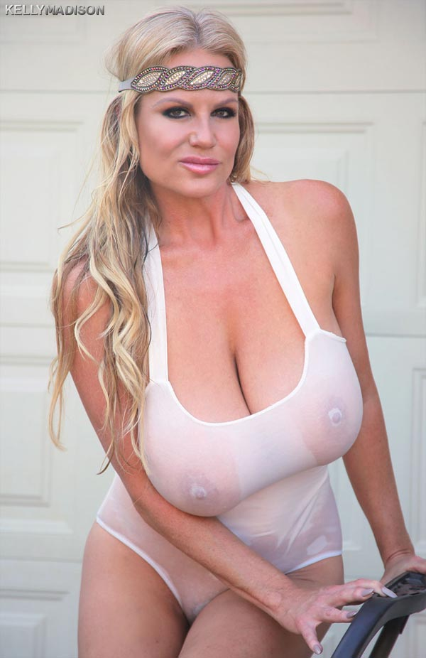 kelly-madison-wet-and-oiled06