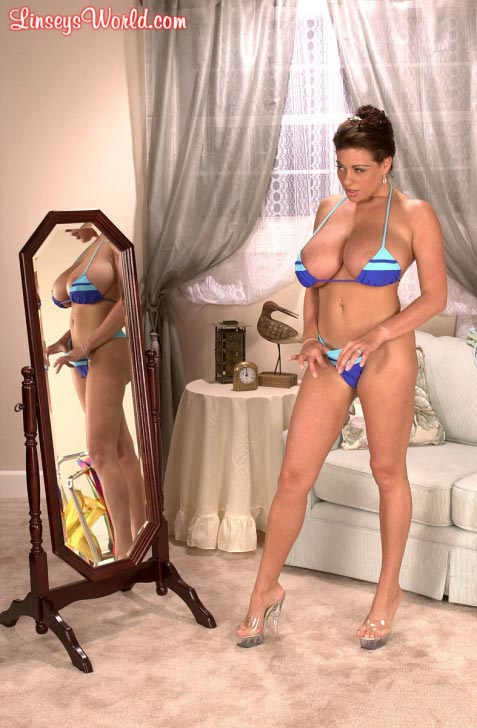 linsey-dawn-mckenzie-trying-out-bikinis160