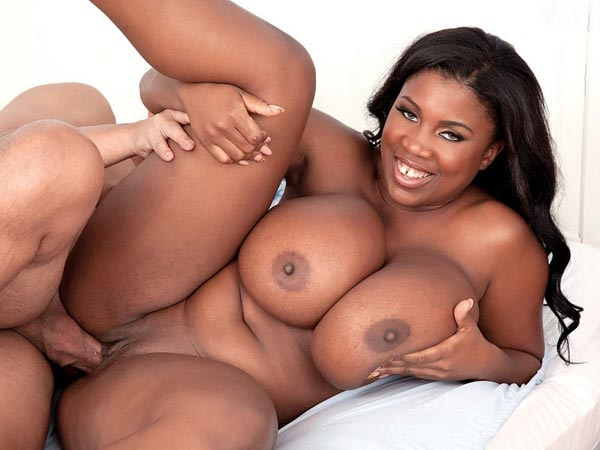maserati-bouncing-her-huge-black-tits