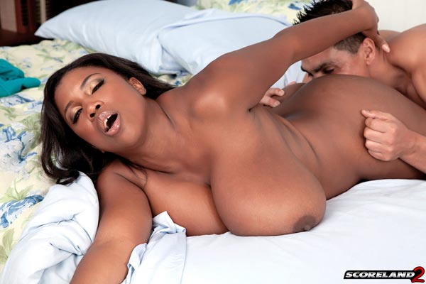 maserati-bouncing-her-huge-black-tits13