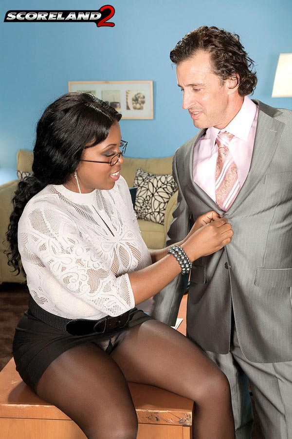 mega-busty-ebony-babe-maserati-gets-the-job04