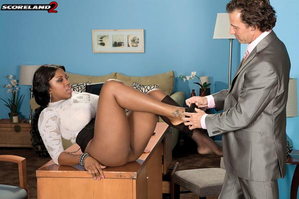 mega-busty-ebony-babe-maserati-gets-the-job07