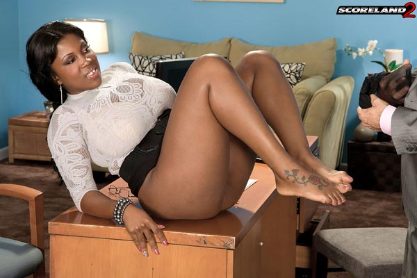 mega-busty-ebony-babe-maserati-gets-the-job08