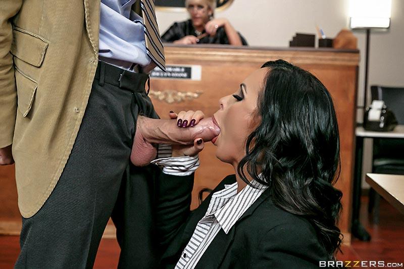 nikki-benz-is-a-sexy-busty-prosecutor03