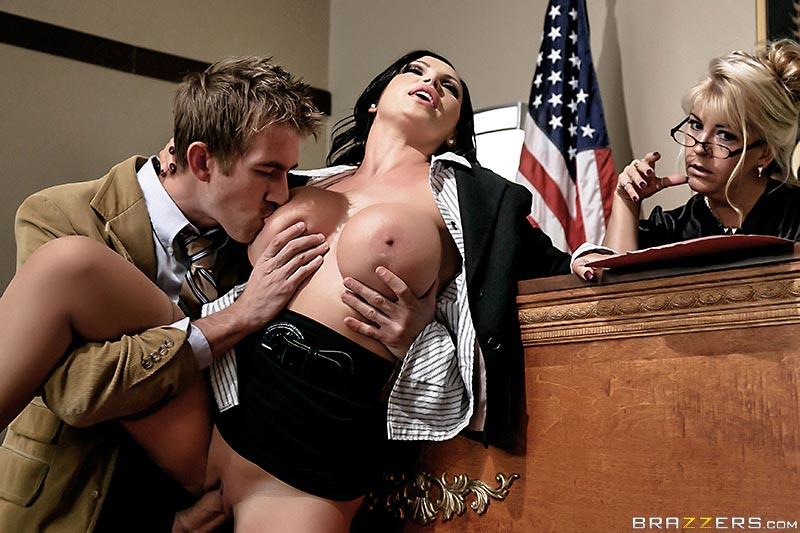 nikki-benz-is-a-sexy-busty-prosecutor04