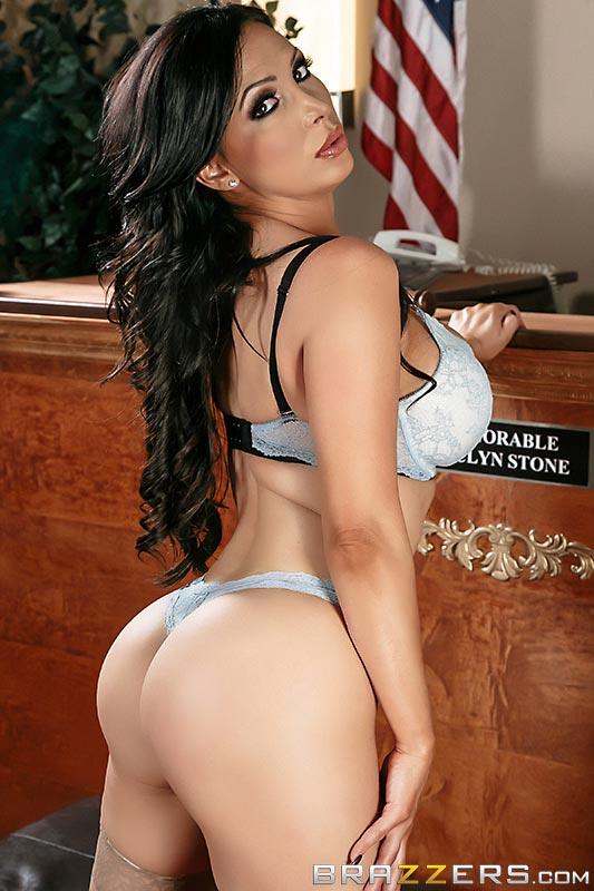 nikki-benz-is-a-sexy-busty-prosecutor06