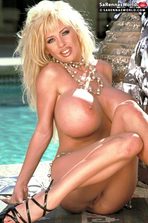 sarenna-lee-sexy-babe-at-the-pool58