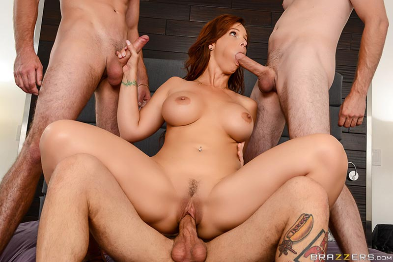syren-de-mer-fucks-her-three-stepsons05