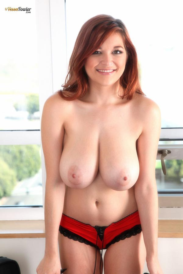 tessa-fowler-in-a-black-white-and-red-cheeta-bra-3