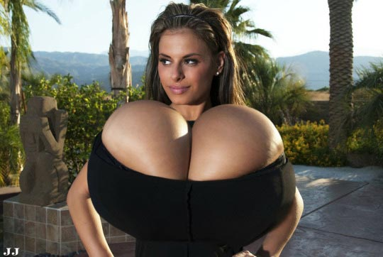 3d of giant boobs