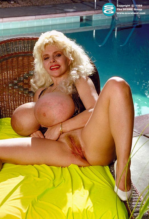lulu devine busty legends
