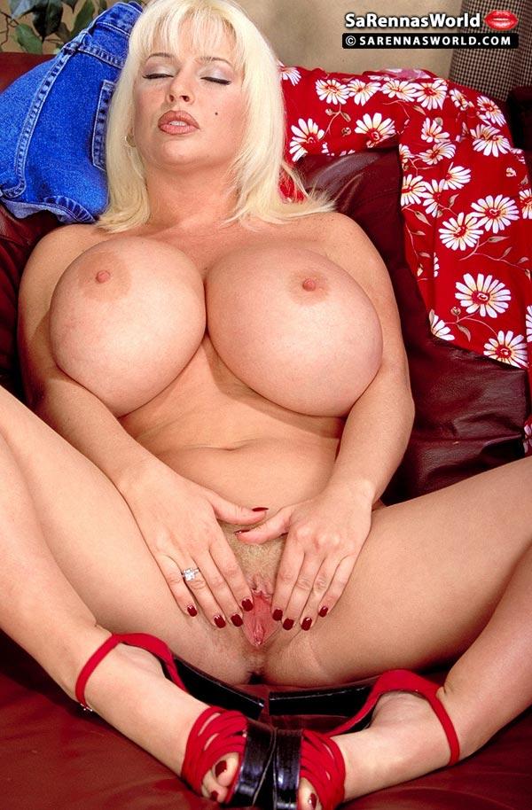 Daisy duke shows boobs