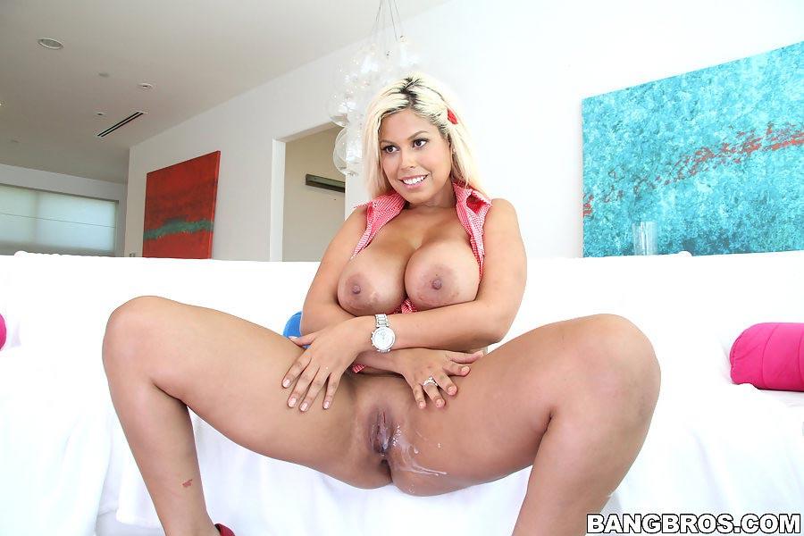 Missy martinez fucks her masseur 8