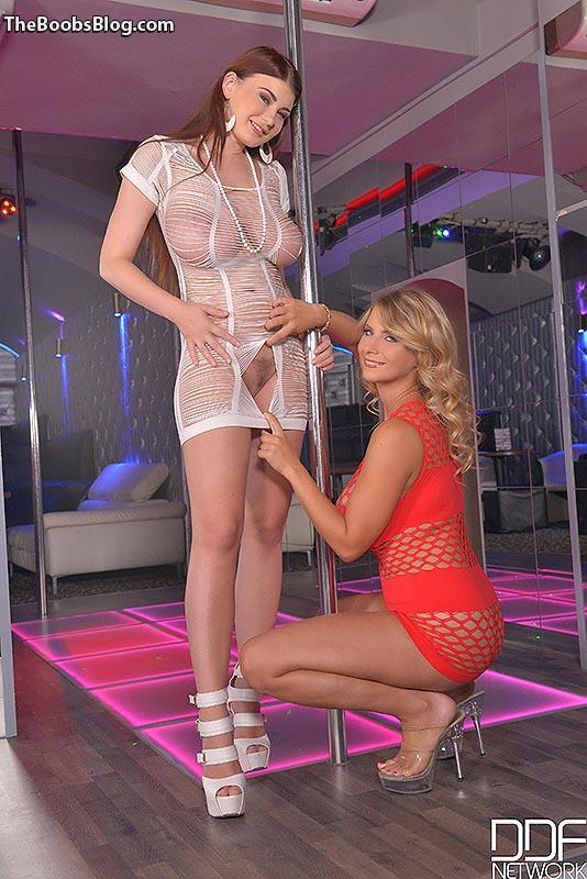 blonde beauty galleries porn