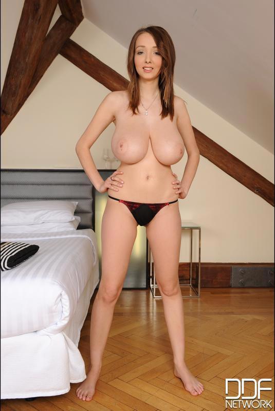 Lucie Wilde Nude