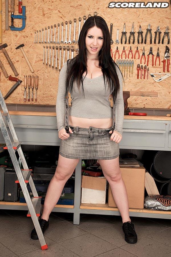 girl on girl porn using tools