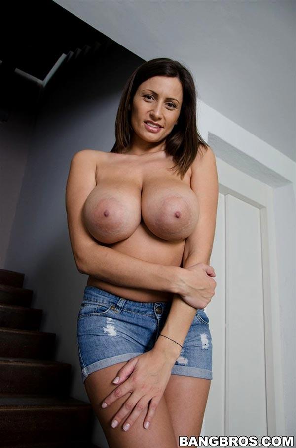 Big natural tits big nipples