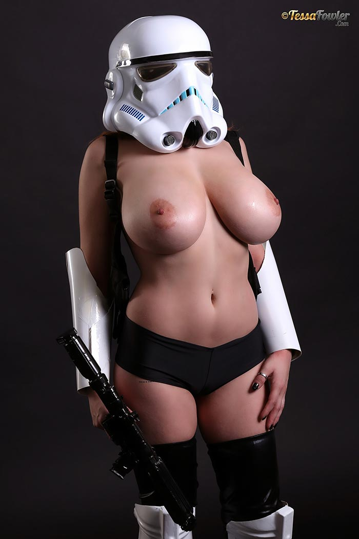 from Ari super sexy naked star war girl