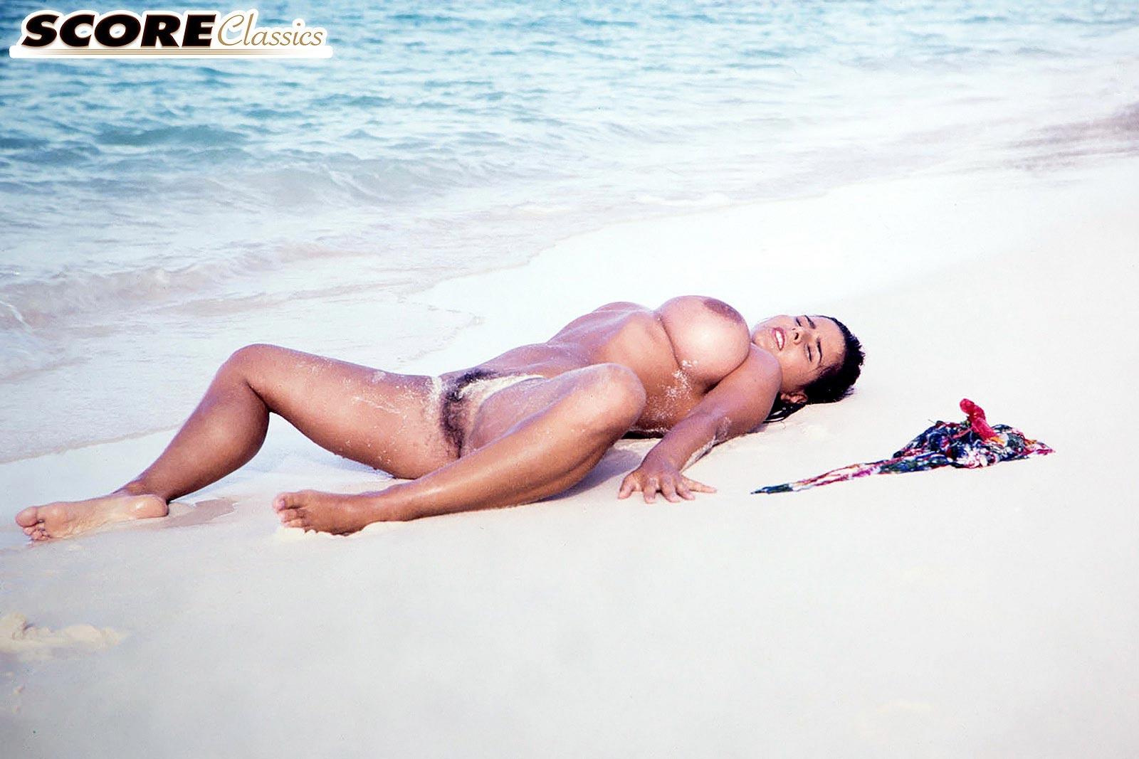 latino girls nude body pics