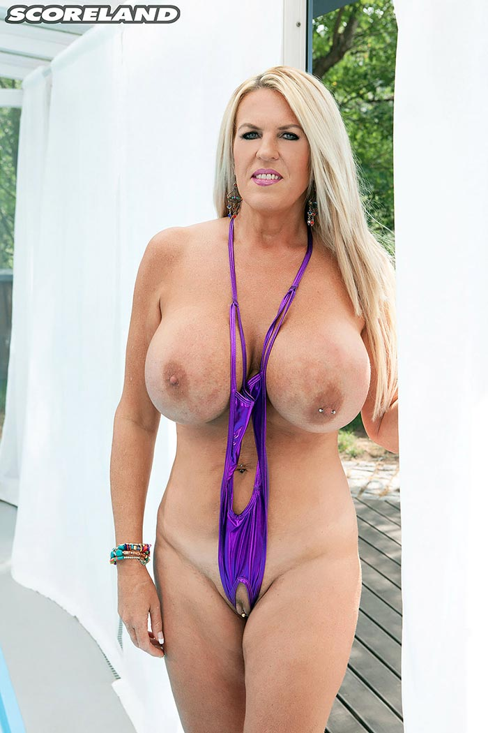 Brit milf does the biz and takes the jizz 7