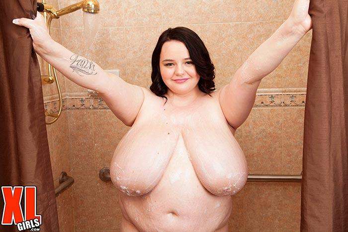 Girl Taking Shower Gets Fucked