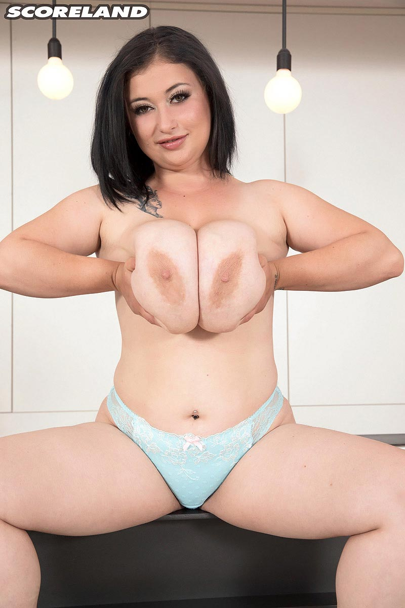 Naturally busty brunette taylor pleasures her pink pussy 7