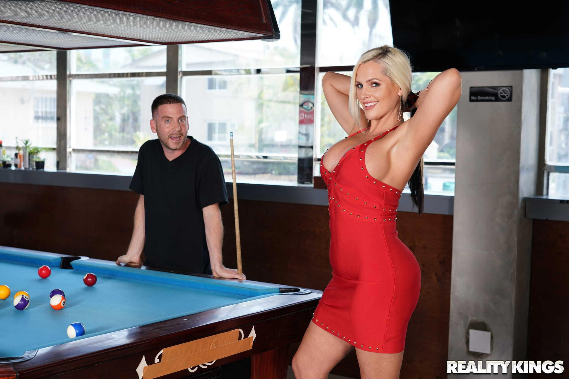 Horny billiards players enjoy blowjob