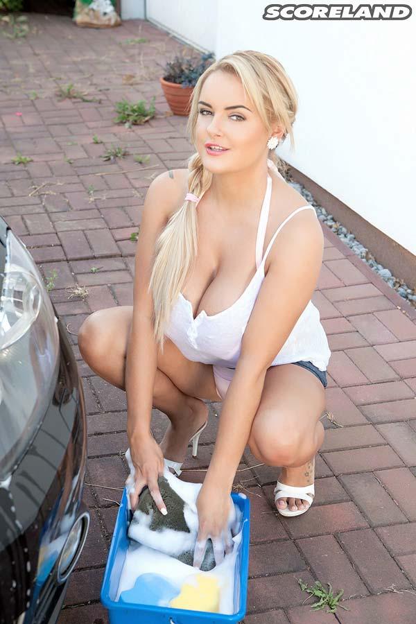 car wash tits
