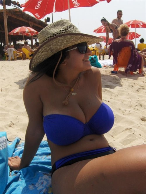 huge-boobs-amateur-8