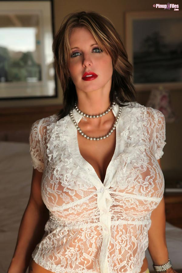 brandy-robbins-in-a-lingerie-white-top-1