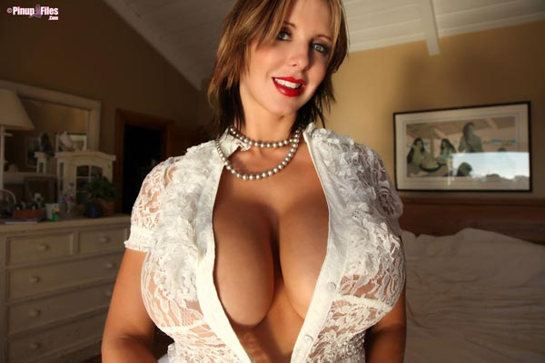 brandy-robbins-in-a-lingerie-white-top-4