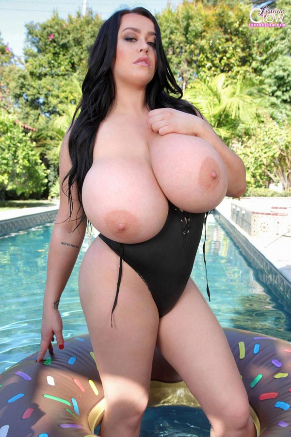 leanne-crow-photo-shoot-poolside-in-tight-swiming-suit6